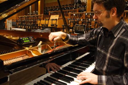 Zongoraszállítás után hangolás